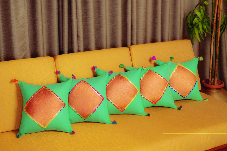 Picture of Mfab9 1 piece silk cushion cover