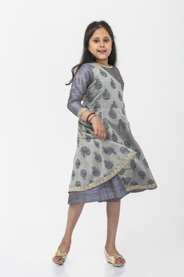 Picture of Mfab9 girls multi layered gown